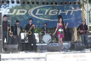 Amy Winehouse, Dana DeLorenzo, Tribute band, Chicago